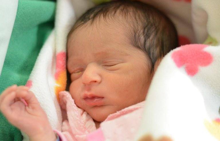 ses hosp geral de mamanguape pais se surpreendem com o nascimento de gemeos (3).jpg