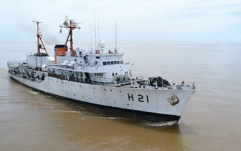 docas recebe navio da marinha aberto para visitacao sirius.jpg