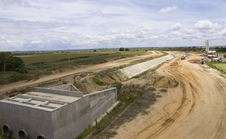 obra do canal acaua aracagi na BR 230 aaa.jpg