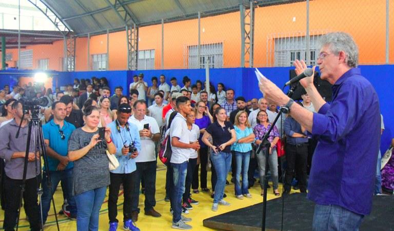 ENTREGA-ESCOLA-CAMPINA-1.jpg