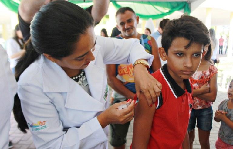 RicardoPuppe_Dia_D_Vacinação (2).JPG