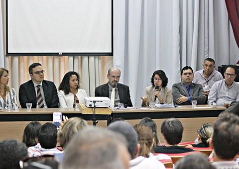 Ses-participa-de-audiencia-publica-da-Assembleia-Legislativa-sobre-Triagem-Neonatal-Ampliada-FOTO-Ricardo-Puppe-2.jpg