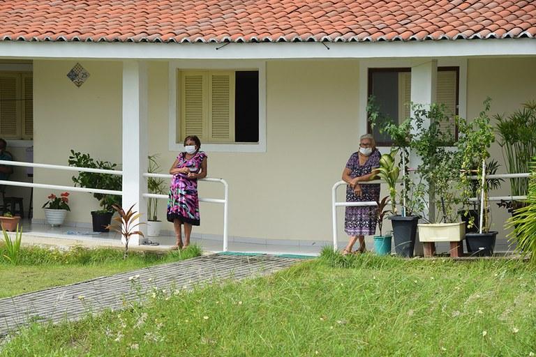 28-04-20 Teste rápido do COVID 19 em idosos no Condominio Cidade Madura Foto-Alberto Machado  (1).JPG