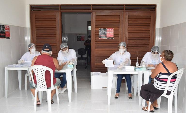 28-04-20 Teste rápido do COVID 19 em idosos no Condominio Cidade Madura Foto-Alberto Machado  (3).JPG